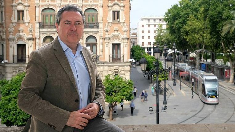 La opinión de Juan Espadas será la determinante para elegir a quien le sustituirá en la Alcaldía.