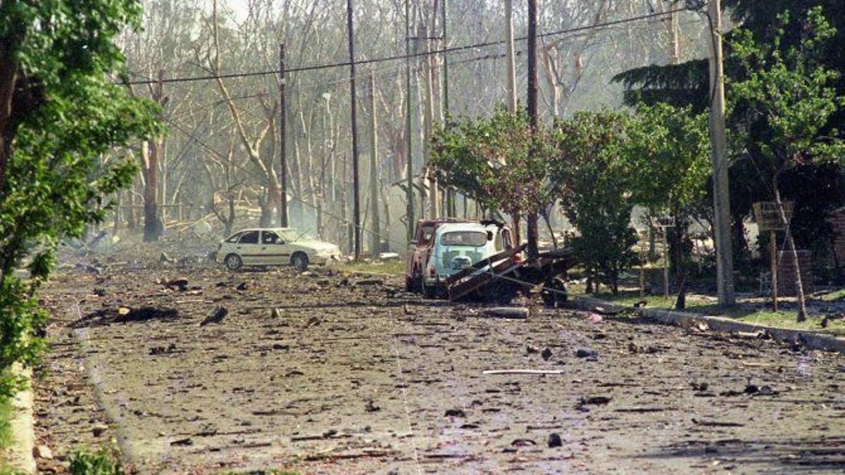 El 3 noviembre de 1995 estalló la Fábrica Militar de Río Tercero, Córdoba, donde murieron 7 personas y decenas resultaron heridas.