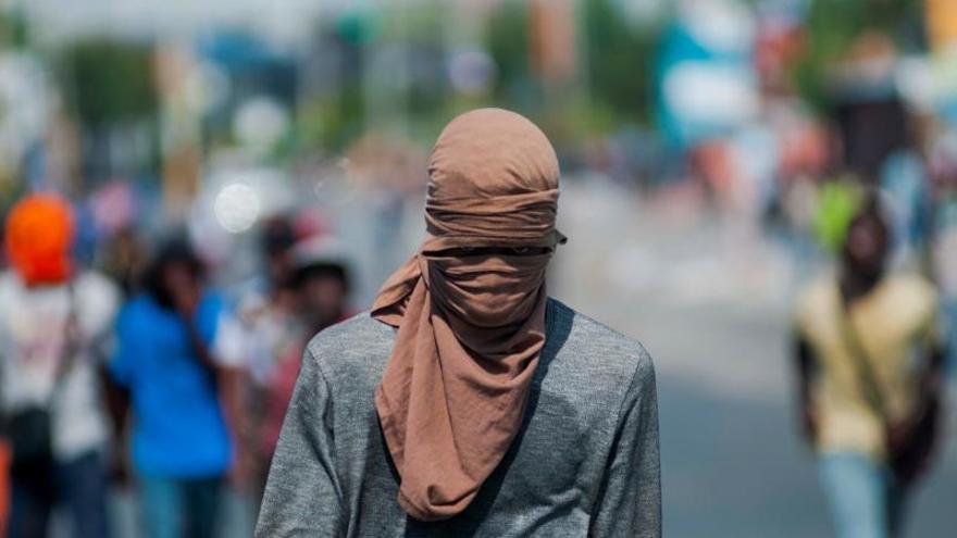 Denuncian vínculo de la Policía en ataques armados en un barrio de la capital de Haití