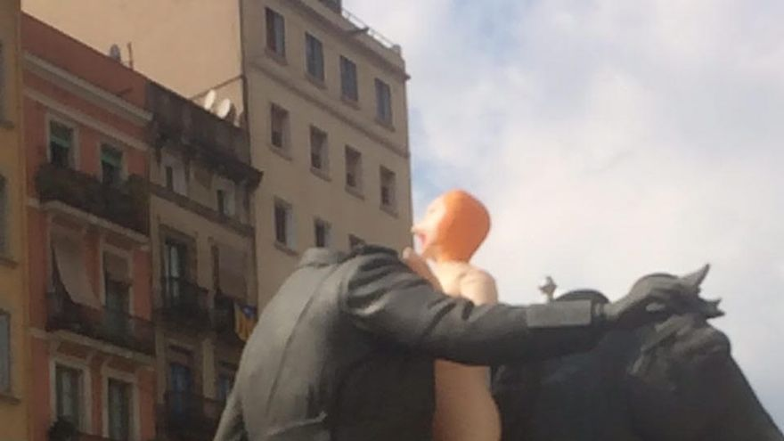Estatua ecuestre de Franco en Barcelona