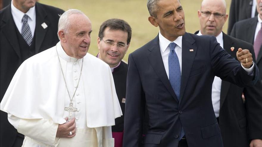 Obama destaca mensaje de misericordia del papa con refugiados e inmigrantes