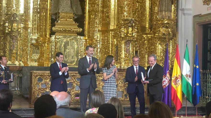 José Luis Perales ha recibido la Medalla de Oro al Mérito en las Bellas Artes