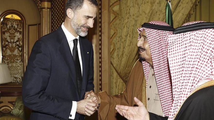 El Rey viaja a Arabia Saudí para allanar el camino a proyectos empresariales