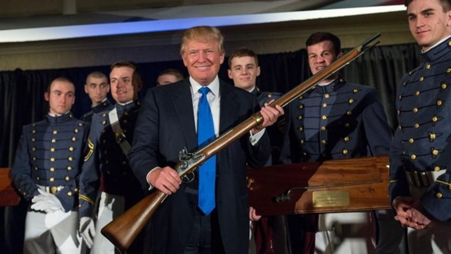 Donald Trump, preocupado por la crisis interna de la NRA