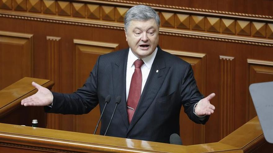 Poroshenko propondrá en la ONU crear un grupo de países para desocupar Crimea