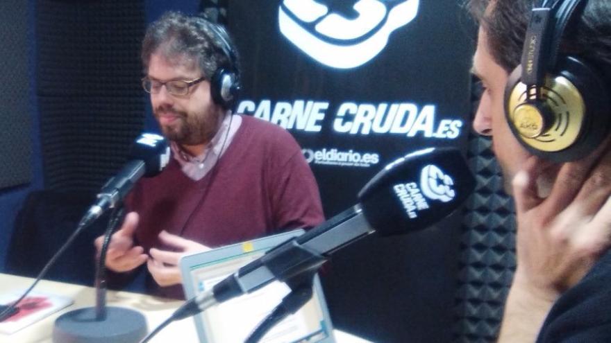 Sergio del Molino presentando La España Vacía en la carnicería.