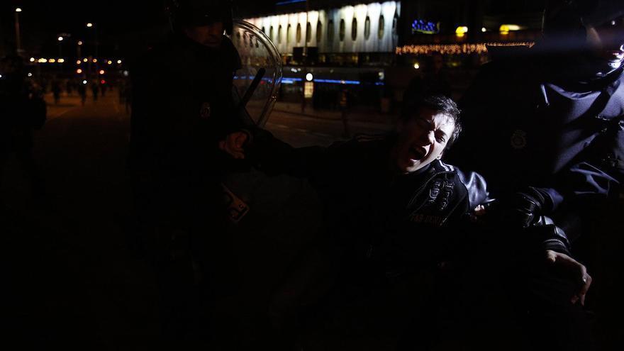 Otro de los retenidos por la Policía tras los altercados / Olmo Calvo