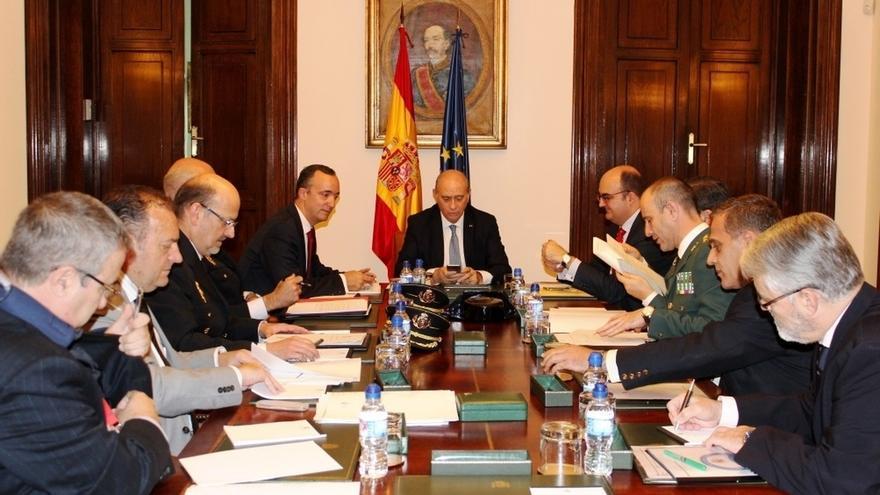 Interior invita a Mossos y Ertzaintza a la próxima reunión sobre el nivel de alerta antiterrorista