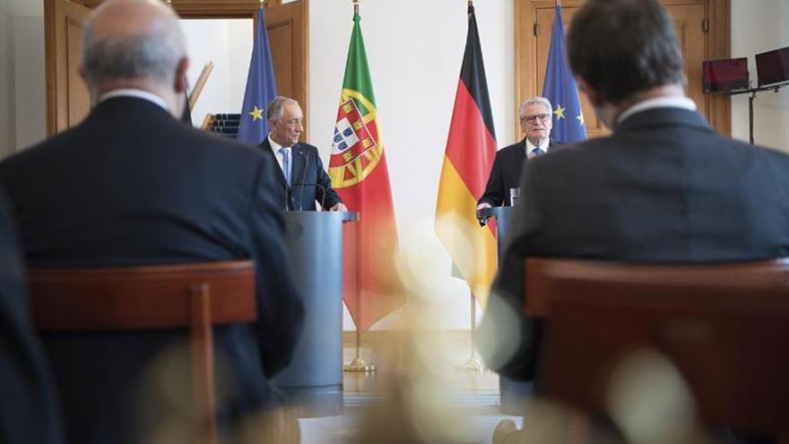 El presidente portugués confía en que no habrá sanciones por incumplir el déficit