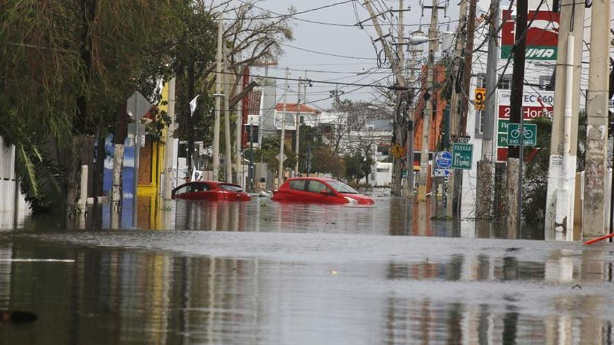 El gobernador de Puerto Rico afirma que el paso del ciclón María es la mayor catástrofe de su historia