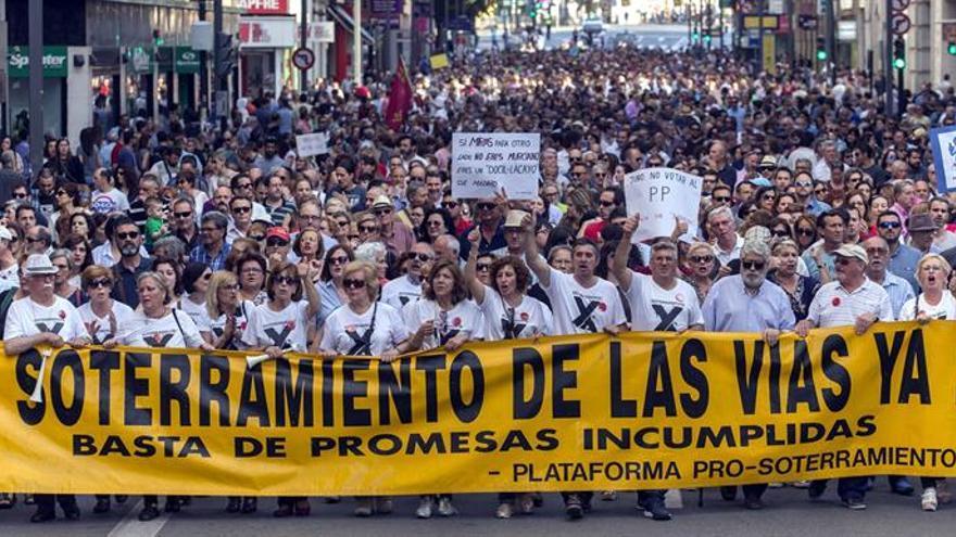 Manifestación en Murcia para pedir el soterramiento del AVE a su paso por la ciudad