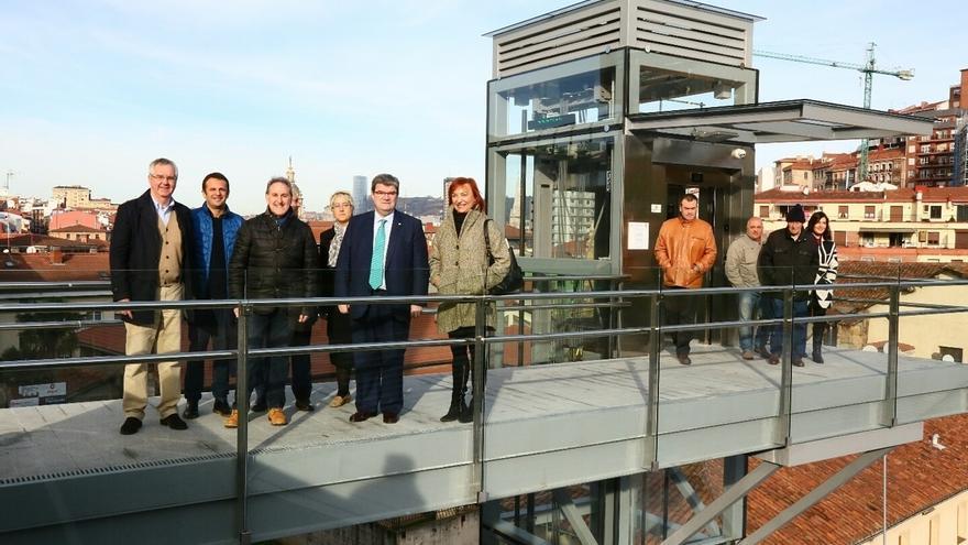 Bilbao inaugura el nuevo ascensor de Atxuri, con una inversión de 212.282 euros