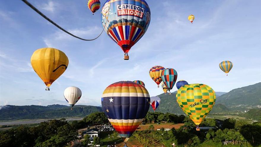 El cielo de Taiwán se pinta de globos de colores