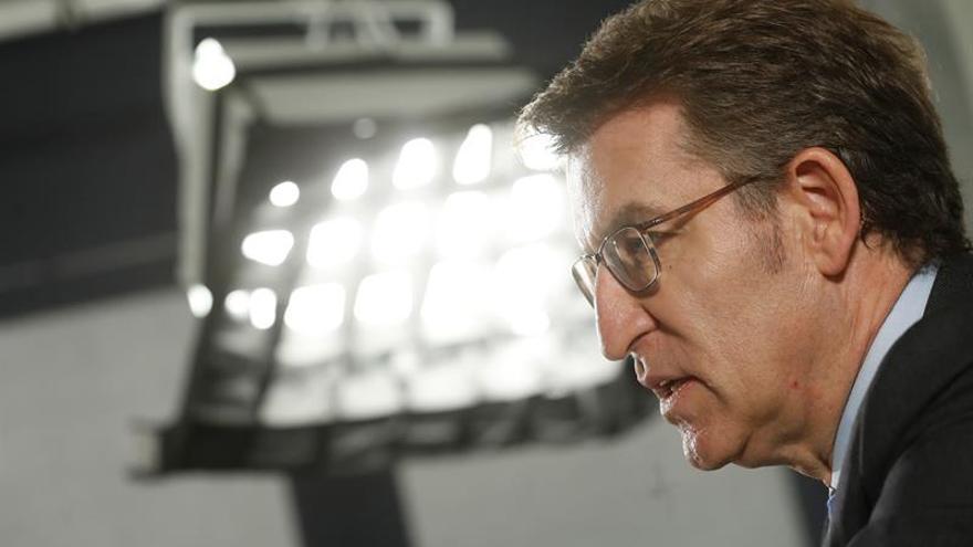 Feijóo: No contemplo que Rajoy decida su sucesor a dedo