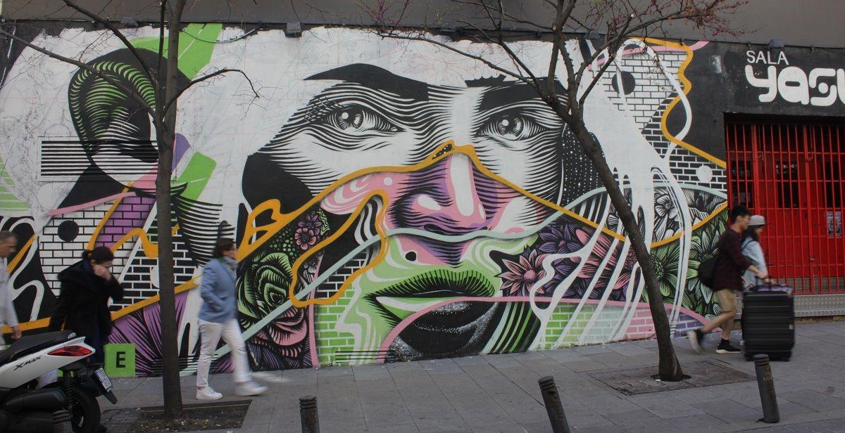 El mural de Dourone en la calle Valverde | RAQUEL ANGULO