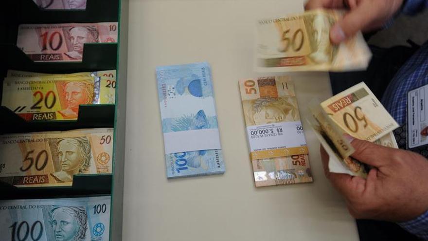 El Banco Central de Brasil eleva su previsión de crecimiento al 0,7 % en 2017