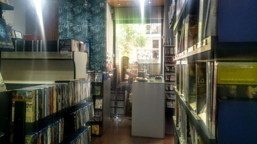 Ficciones de Cine Malasaña atesora 25.000 DVDs, que estarán a la venta este fin de semana | Foto: Somos Malasaña
