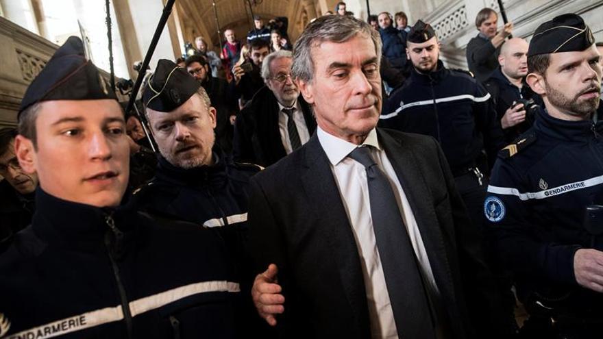 Un exministro de Hacienda de Hollande es condenado a tres años por fraude