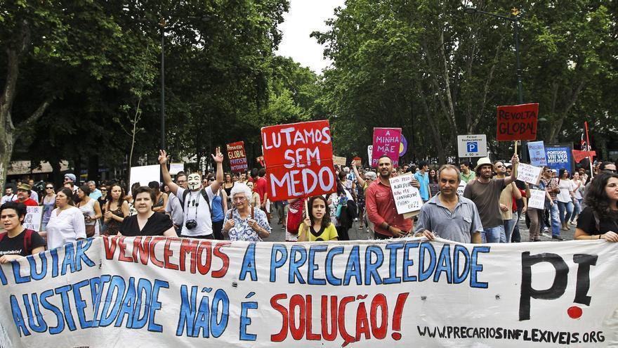 Portugal se llena de manifestaciones contra la austeridad y la troika