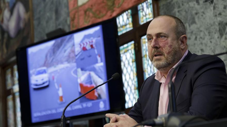 Varios grupos políticos piden la dimisión del vicepresidente del Cabildo de Tenerife por un comentario machista durante el pleno