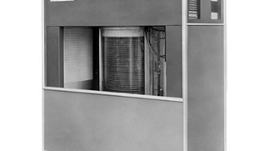 Esta era la estructura que alojaba el disco duro del 305 RAMAC (Foto: IBM)