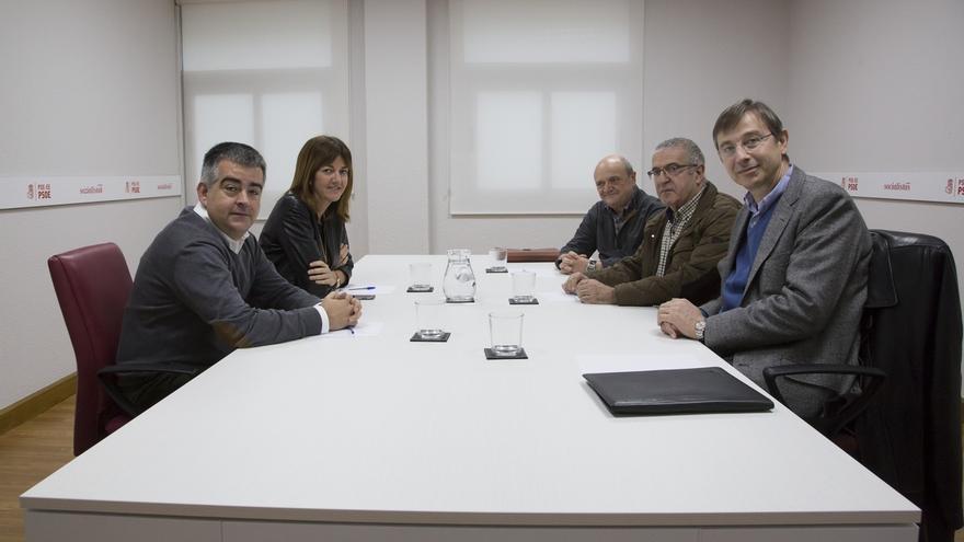 Mendia se reúne con los impulsores de Aubixa Fundazioa, iniciativa que busca socializar y normalizar el Alzheimer