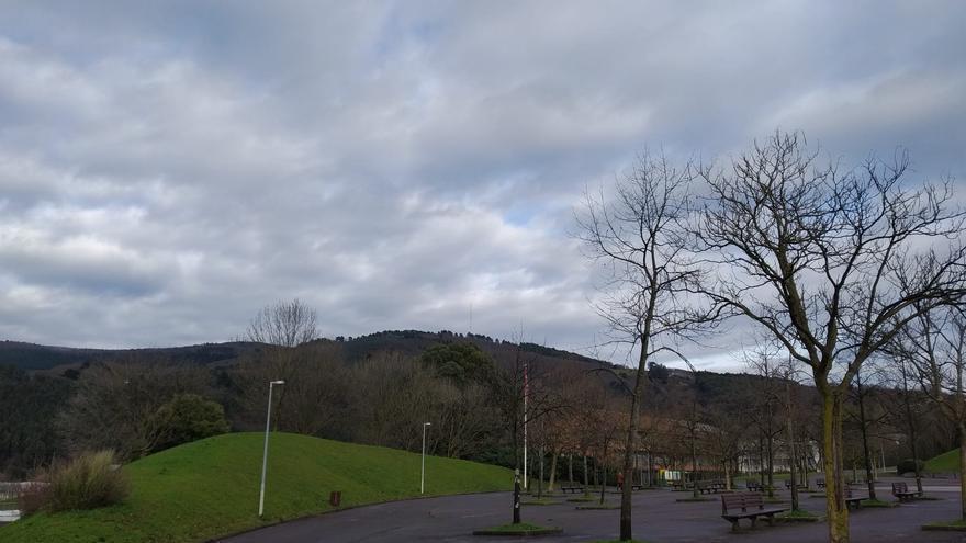 Archivo - Cielos nublados en Euskadi.
