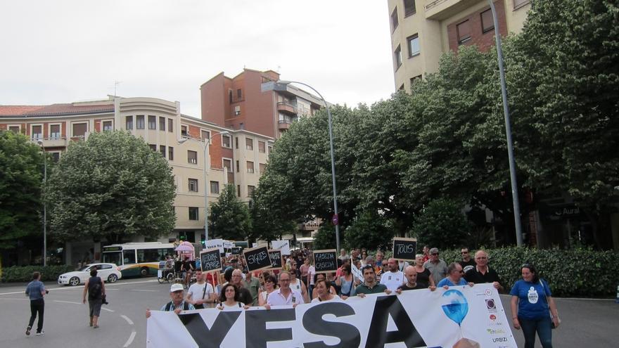 """Una manifestación reclama en Pamplona la """"paralización"""" del recrecimiento de Yesa y un """"informe internacional"""""""