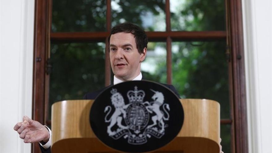 """El ministro británico de Economía planea recortar el impuesto corporativo tras el """"brexit"""""""