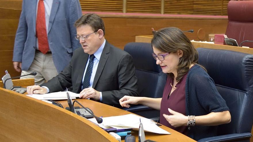 Ximo Puig y Mónica Oltra en un pleno de les Corts Valencianes.