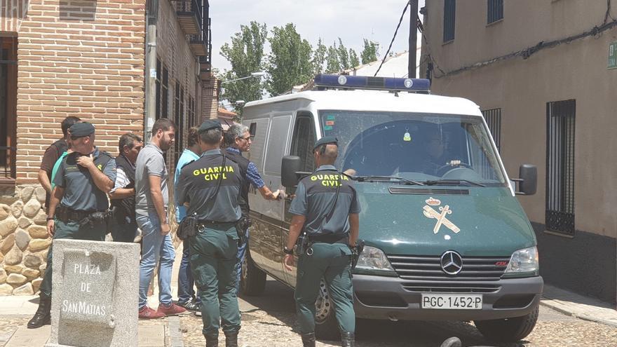 Detenido el alcalde de Fontanar tras más de siete horas de registro en las dependencias del Ayuntamiento