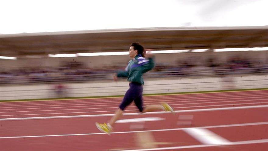 Las emisiones de una pista de atletismo en China intoxican a decenas de niños