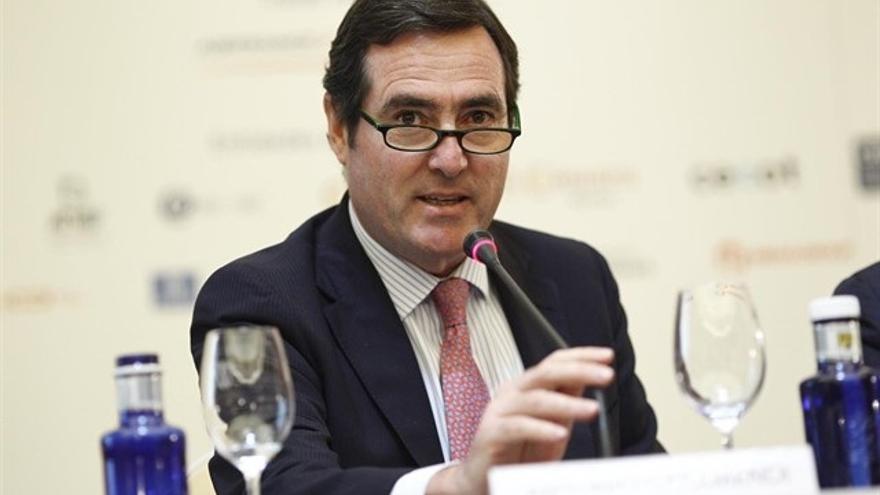 """Garamendi dice que mezclar unos poderes con otros """"no es bueno"""" para la seguridad jurídica de las empresas"""