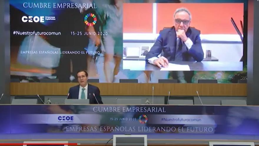 El presidente de CEOE, Antonio Garamendi, y el del grupo Cosentino, este miércoles durante la cumbre empresarial.