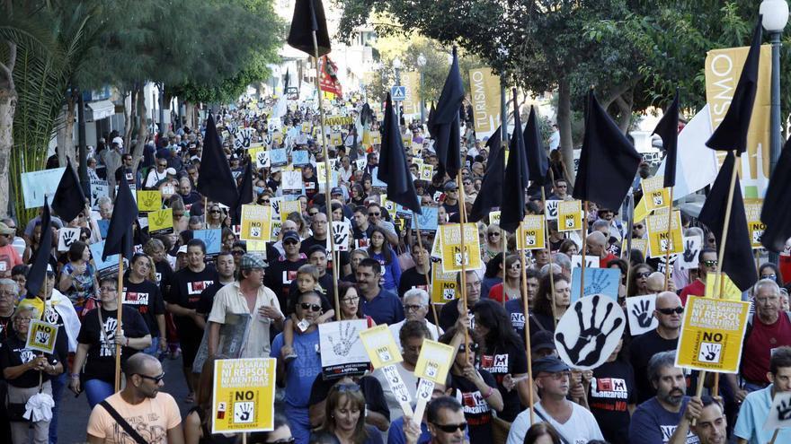 Protestas contra las prospecciones en Arrecife.