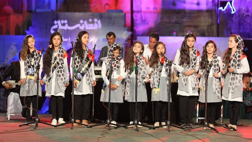 Coro de alumnas afganas
