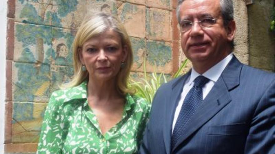 Vicente Garrido, presidente del CJC junto a Gabriela Bravo, consellera de Justicia