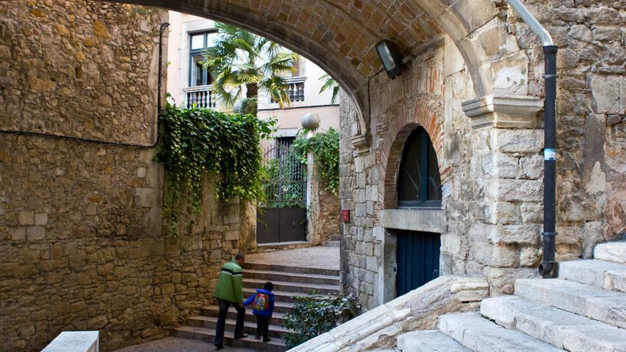 Callejuelas de la Ciudad Vieja de Girona. VIAJAR AHORA