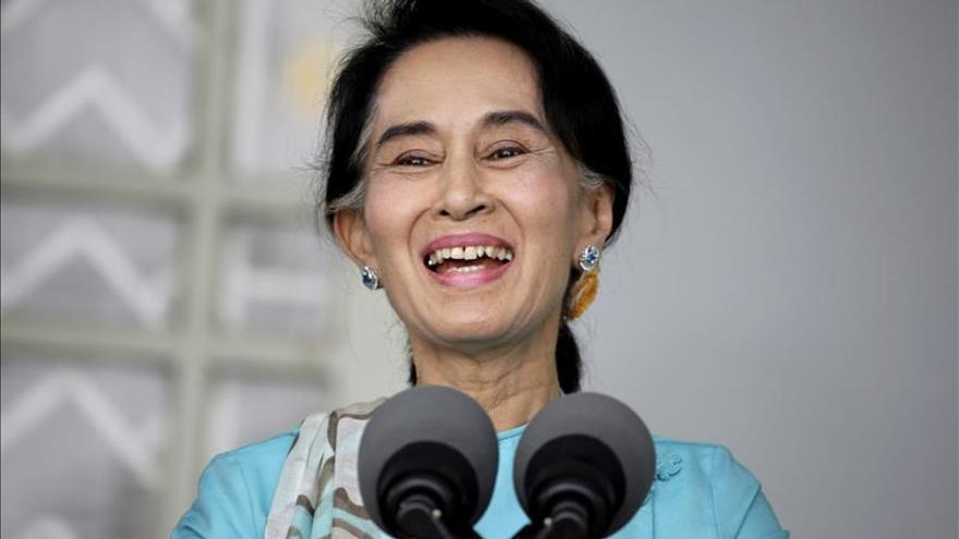 A subasta las puertas de la vivienda de la nobel birmana Aung San Suu Kyi