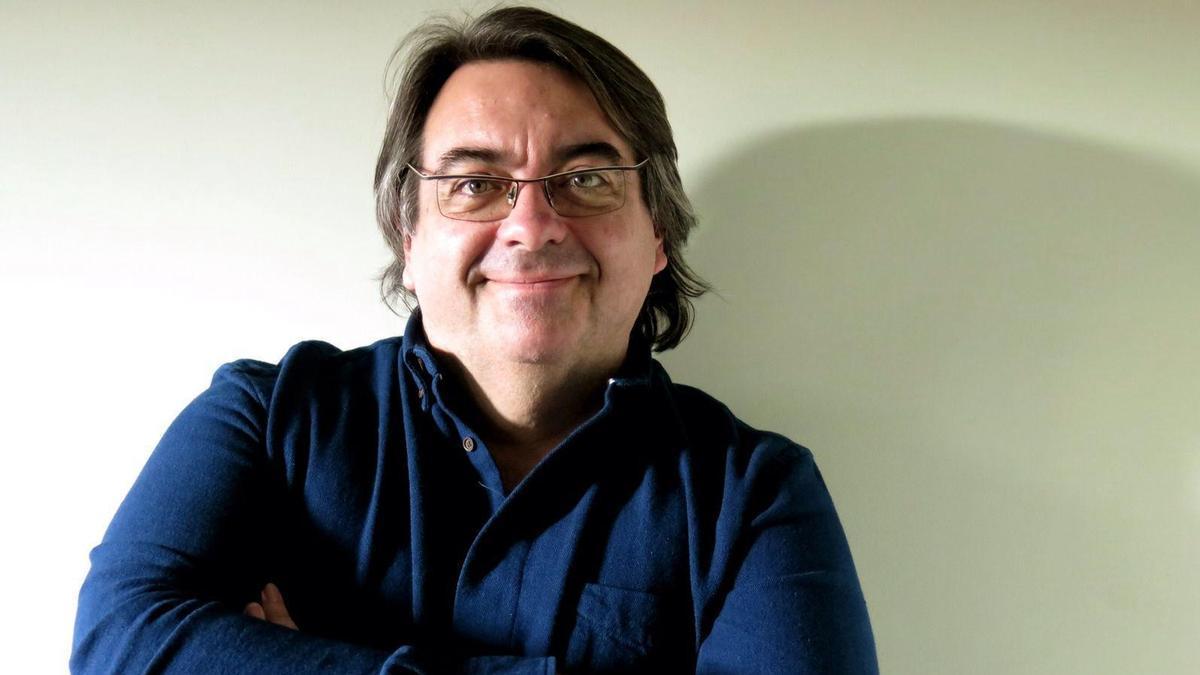 Jesús Ruiz Mantilla, autor de 'Papel' (Galaxia Gutemberg)