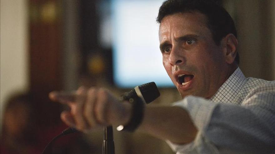 Capriles dice que la emergencia económica impide perder tiempo en una confrontación política