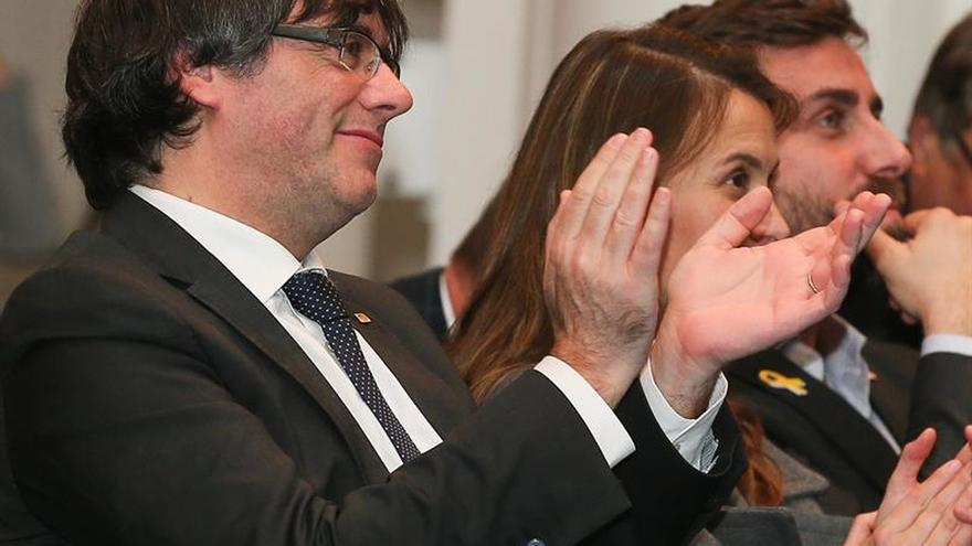"""Puigdemont acusa a Rajoy de aplicar """"represión y sumisión"""""""