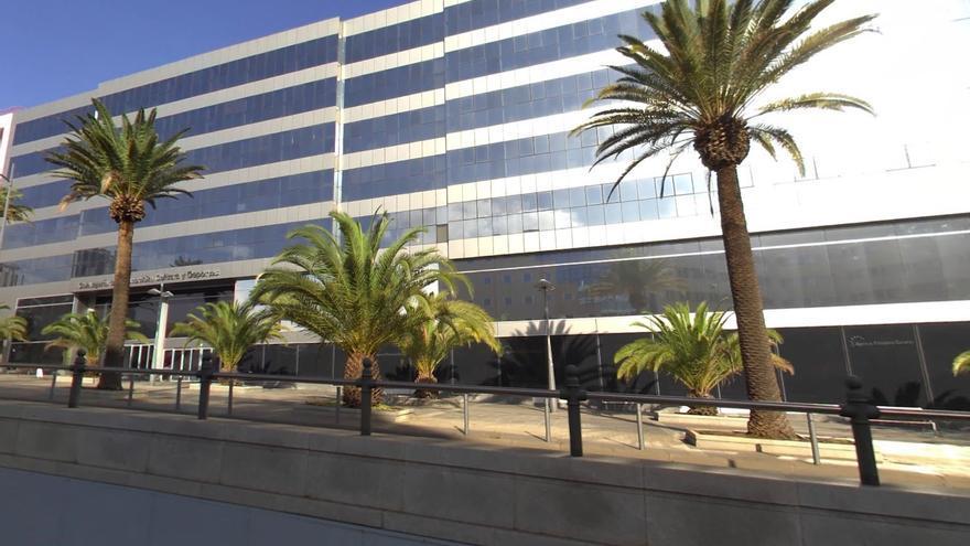 Edificio Tres de Mayo, propiedad de la empresa Carlacand S.L., de la familia del constructor Antonio Plasencia, condenado por el caso Las Teresitas.