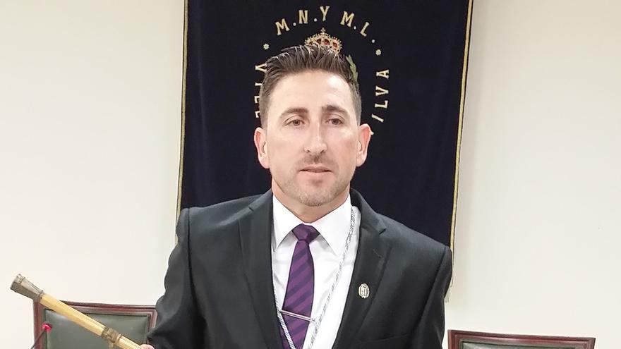 """El nuevo alcalde de Manilva pide """"tolerancia cero con todo aquello que presuntamente se ha podido hacer mal"""""""