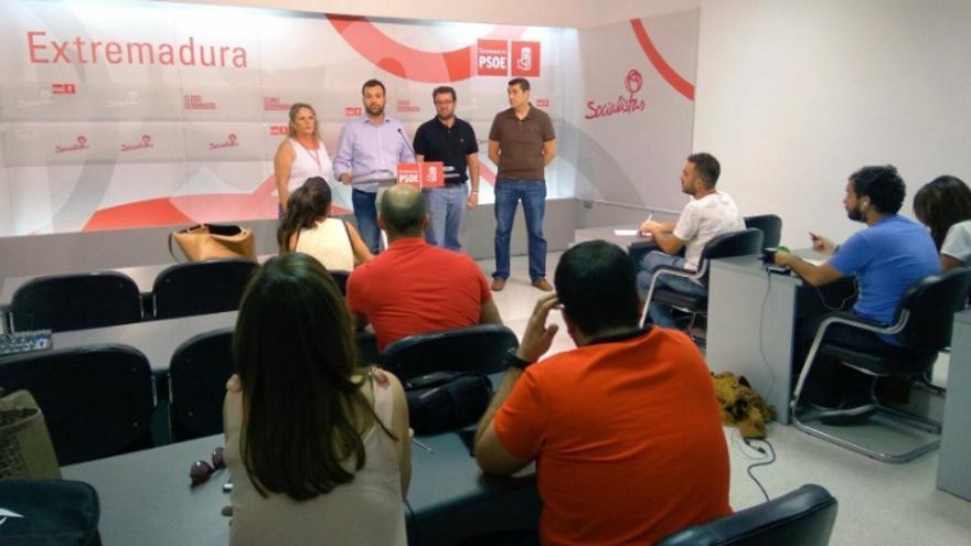 La candidatura de Eva Pérez, tras presentar los avales