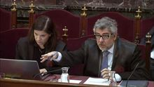 Los abogados Ana Bernaola y Jordi Pina, en el juicio.