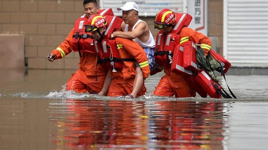 El Gobierno chino admite que las graves inundaciones exponen una serie de deficiencias