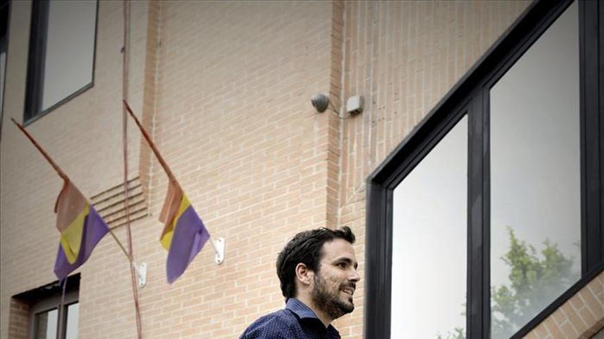 IU de Madrid dice que Garzón no puede liderar la lista a las generales