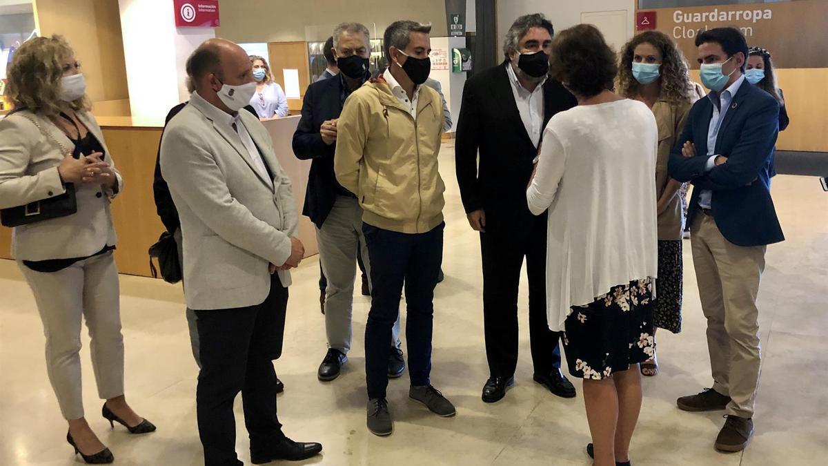 Visita de Rodríguez Uribes a la Neocueva de Altamira