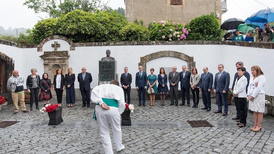 """El lehendakari insta a """"avanzar juntos"""" en autogobierno, paz y convivencia con """"acuerdos integradores"""" y """"perseverancia"""""""